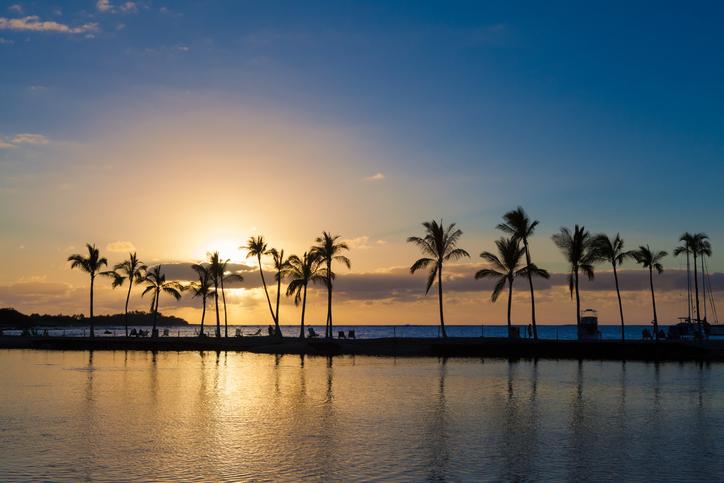 ハワイ海辺